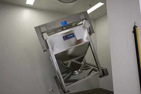 Skyepharma Lubrication/blending CMS bin blender (cube shape IBC)